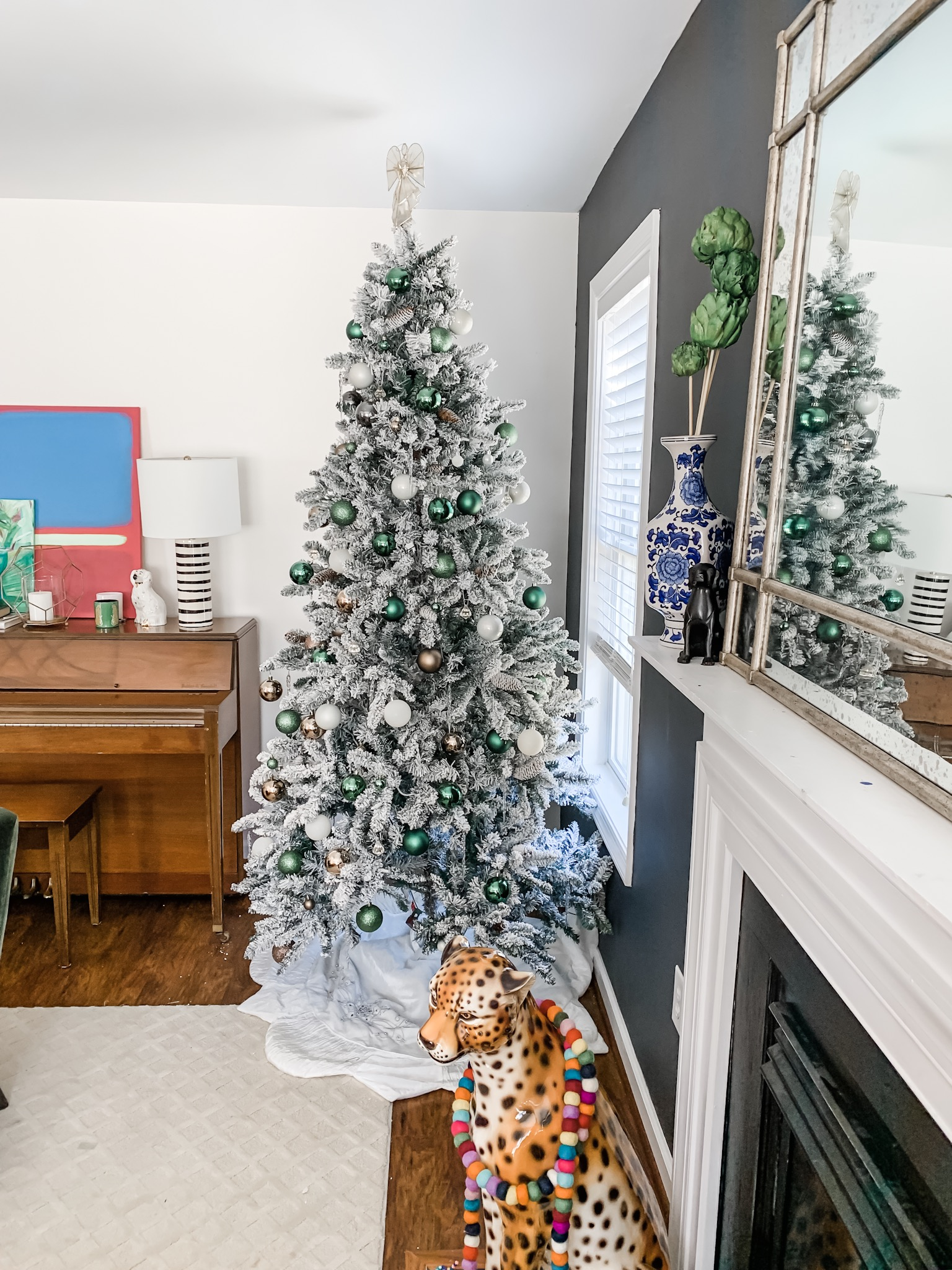 The Prettiest Emerald Green and White Christmas Tree Decor: Learn how to decorate your tree with Green & White Ornaments from StampinFool.com