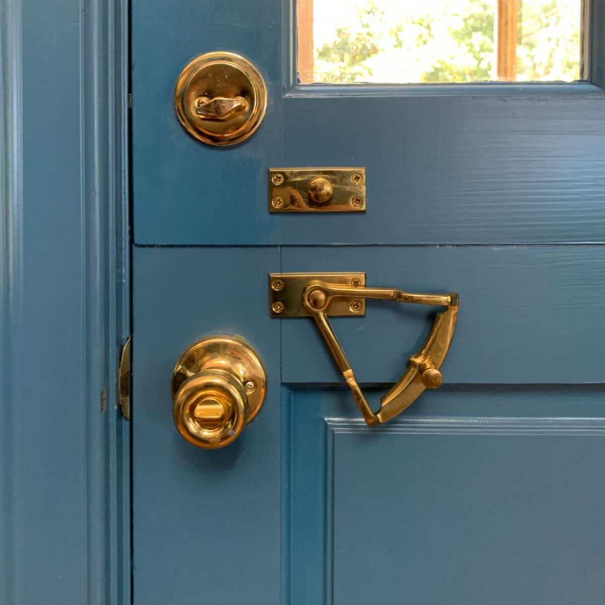 Here is the brass quadrant dutch door hardware closed and in the unlocked position.